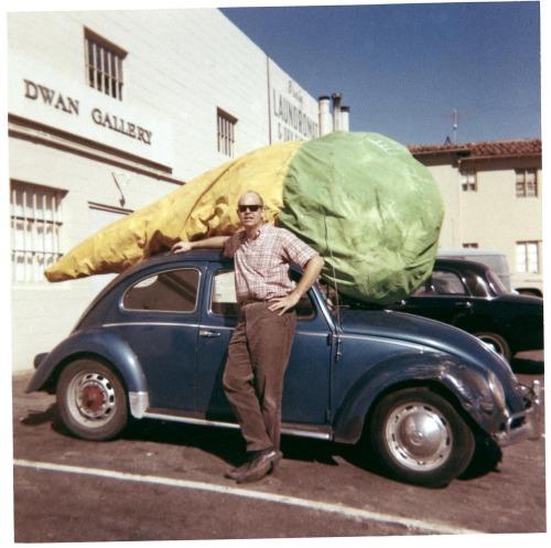 Floor Cone (1962) picture of Claes Oldenburg.jpg